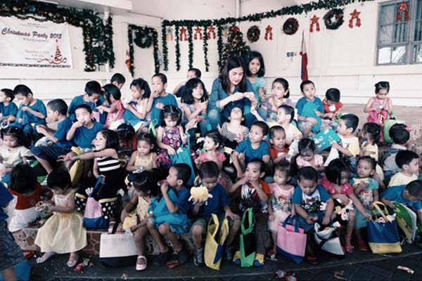 Julie Anne San Jose spends time with children of White Cross Orphanage